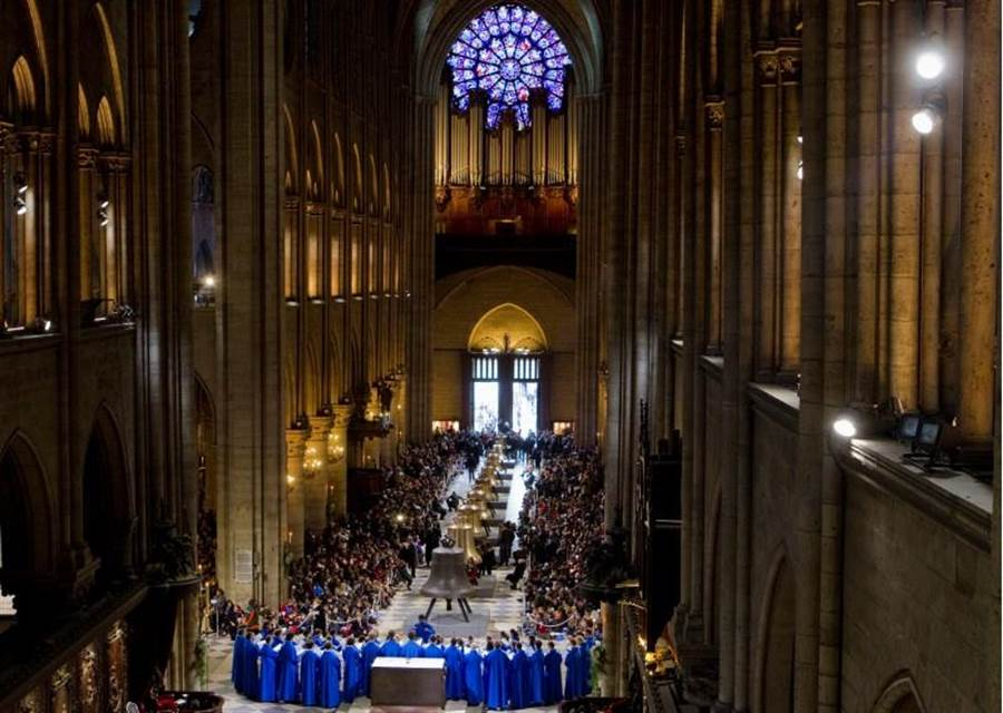 聖母院大教堂的內部主結構是由超過800年的古木打造。(路透)