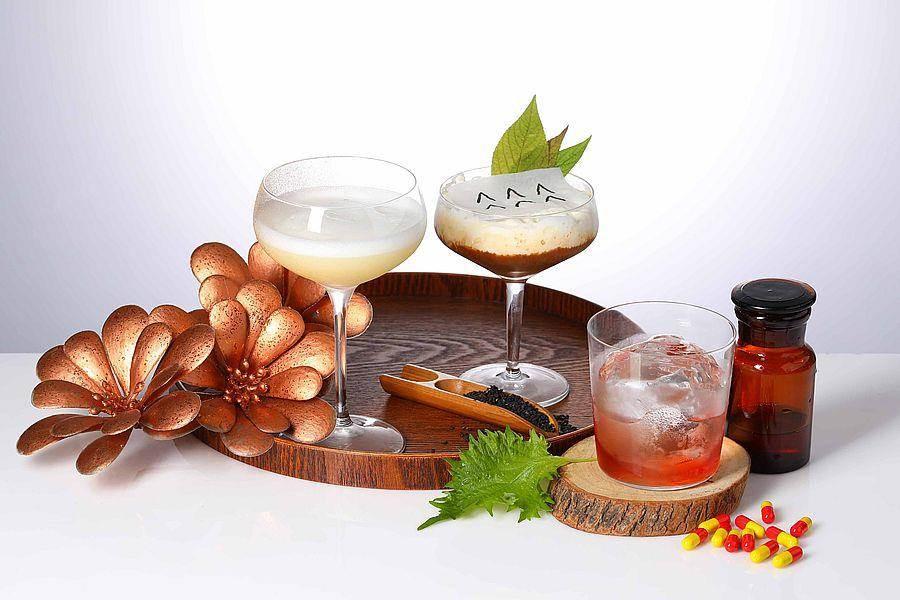 紫苏类型调酒左至右─乃与蜜之地、精灵之森、亚洲肆玖短期照护。(Mega 50提供)