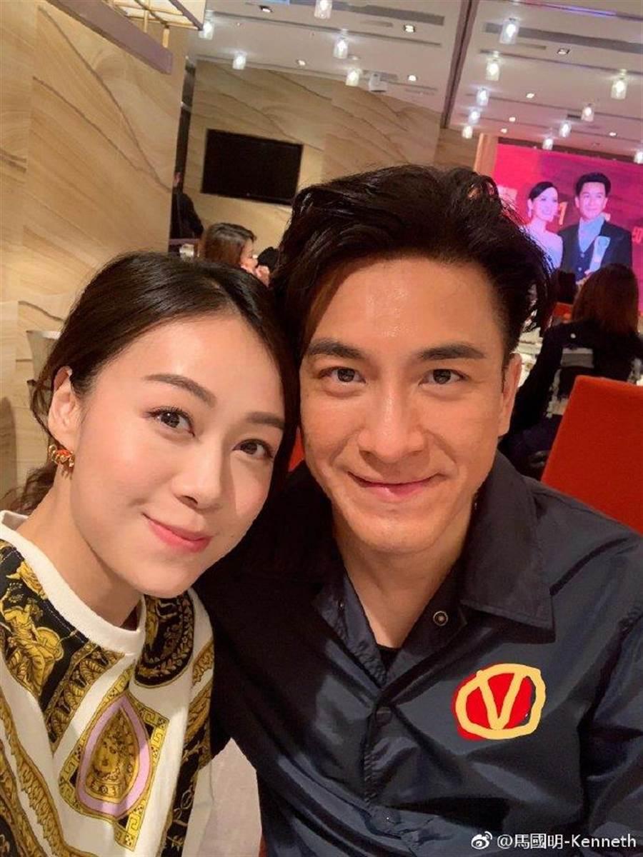 馬國明(右)與黃心穎(左)因拍戲結緣,如今卻傳出黃心穎外遇許志安。(圖/翻攝自微博)