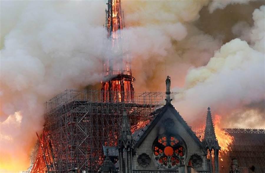 巴黎聖母院狂燒 舉世痛心