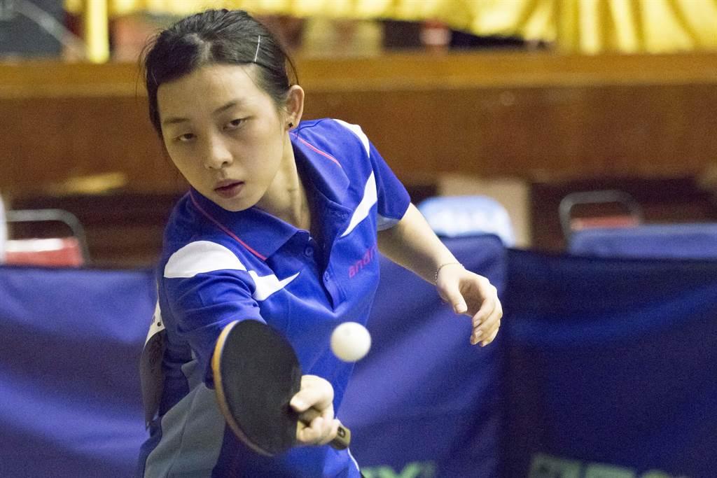 去年全大運桌球女單銀牌李恩綺今年終於奪下金牌。(中正大學提供)