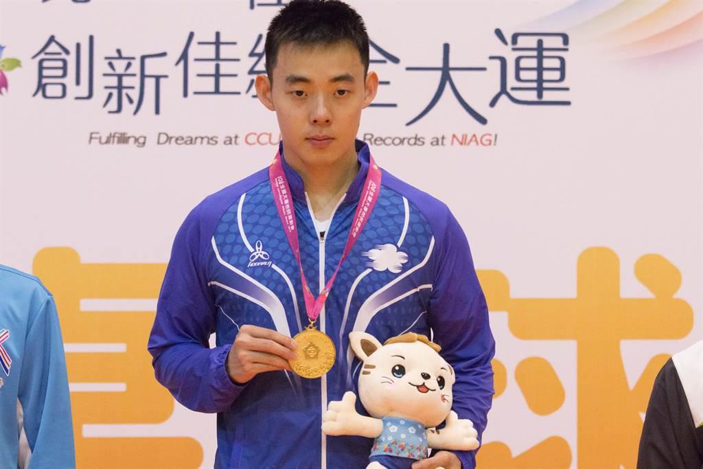 陳建安完成全大運桌球男單3連霸。(中正大學提供)