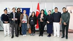土耳其難民學校 學童嘹亮歌聲迎賓