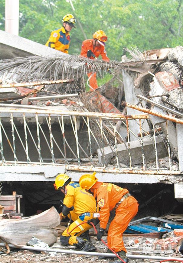 災害防救訓練特別於921地震教育園區以實際場景讓演習過程更逼真。圖/本報資料照片
