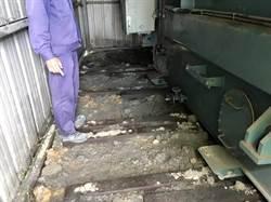 竊賊剪破油管偷銅板   絕緣油外漏汙染番仔寮溪