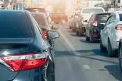 壅擠國道未保持車距被拍 車主成功申訴免罰