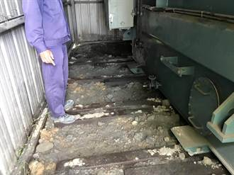 >苗栗煉鋼廠油管遭竊 漏油污染河流