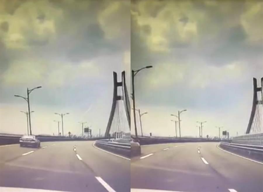 網友也提醒,假若在高速公路或橋上遇到地震,應先減速並打雙黃燈再往路肩停靠(圖翻攝自/爆料公社)