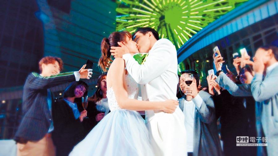 安心亞(左)和禾浩辰的吻戲非常多,讓觀眾看得臉紅心跳。
