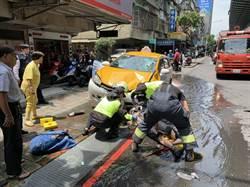 計程車撞復康巴士  2人輕傷送醫