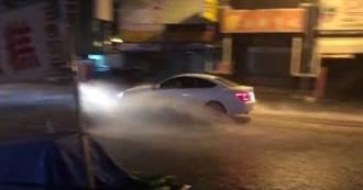 台南夜襲20分鐘大雷雨 安中路慘變河