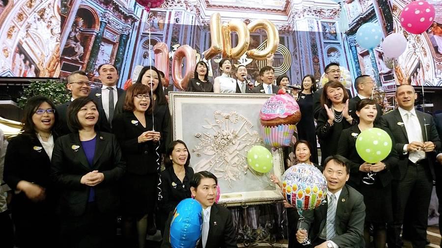 雲朗觀光集團18日舉辦10周年歡慶酒會。(林資傑攝)