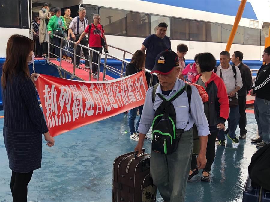 700名香港觀光客今(19)日起分批跨海到金門旅遊。(李金生攝)