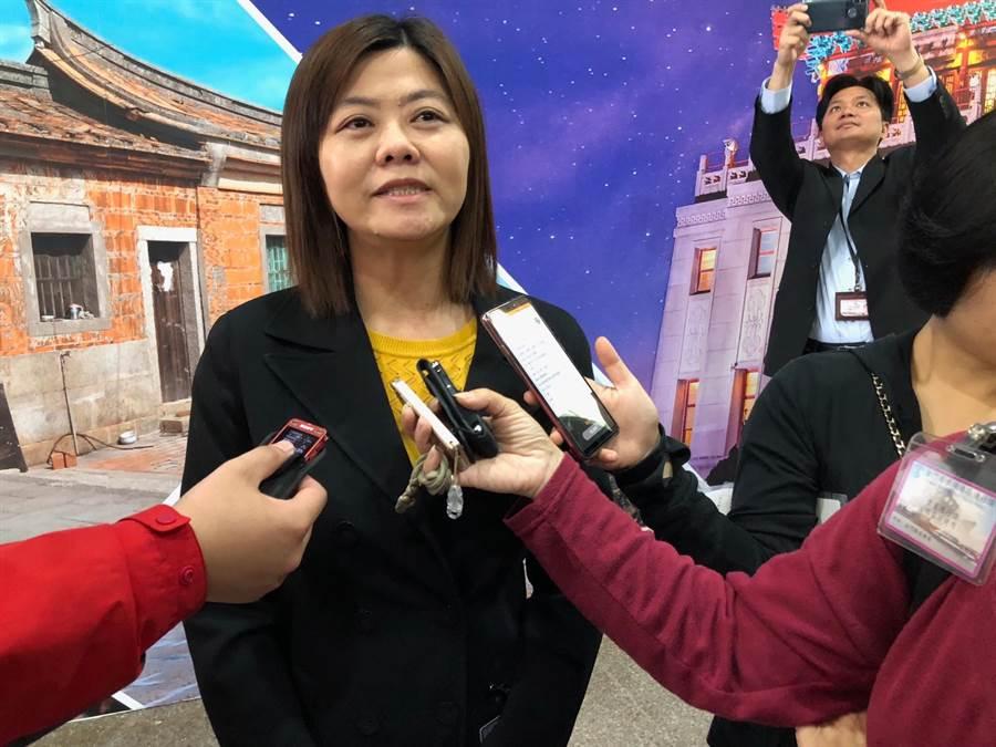 縣府城市行銷科長陳明伶表示,金門的樸實、悠閒氣氛對港客具有吸引力。(李金生攝)