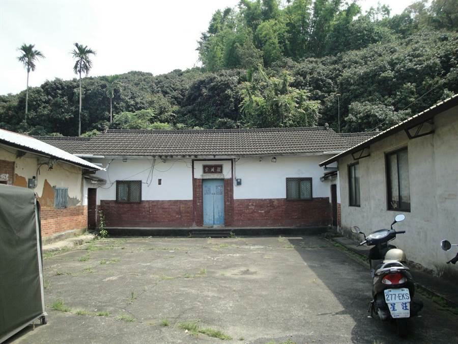 南投多山,不少偏鄉農舍都是坐落在向林務局承租暫准用地上,這些林地之租金將於5月1日起開徵。(沈揮勝翻攝)