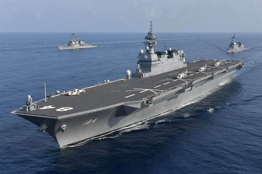 日本直升機母艦出雲號將搭載兩棲部隊前往南海部署。(圖/日本海上自衛隊)