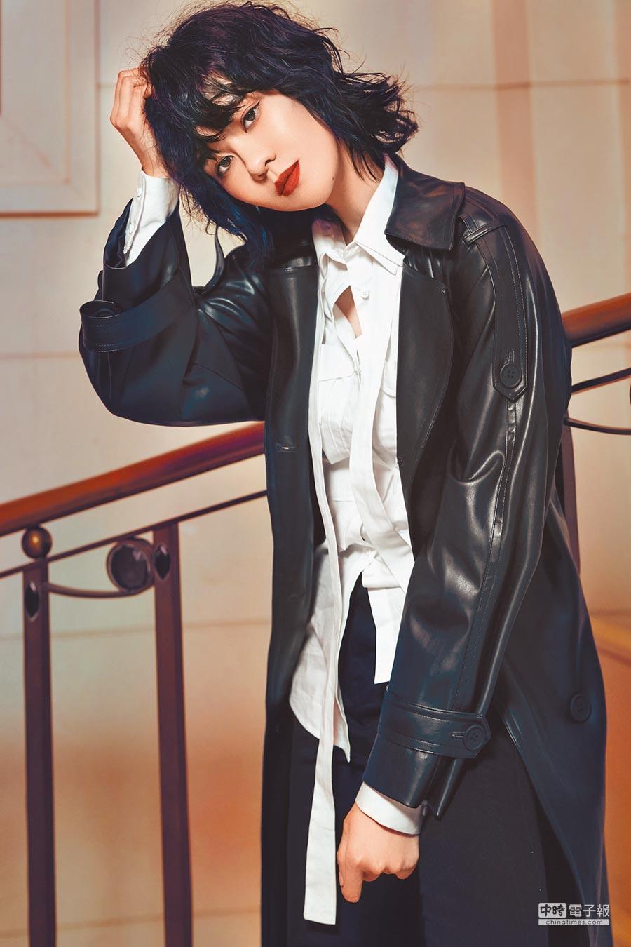 郁可唯在新歌MV中飾演冷酷殺手。