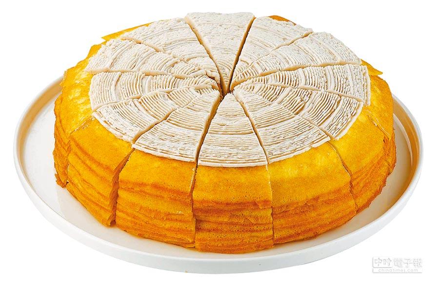 全聯獨家「芋見幸福千層蛋糕」,引進日本機台,嚴選日本配方研製蛋餅皮,搭配大甲芋泥餡,8吋約1500g,499元。(全聯提供)