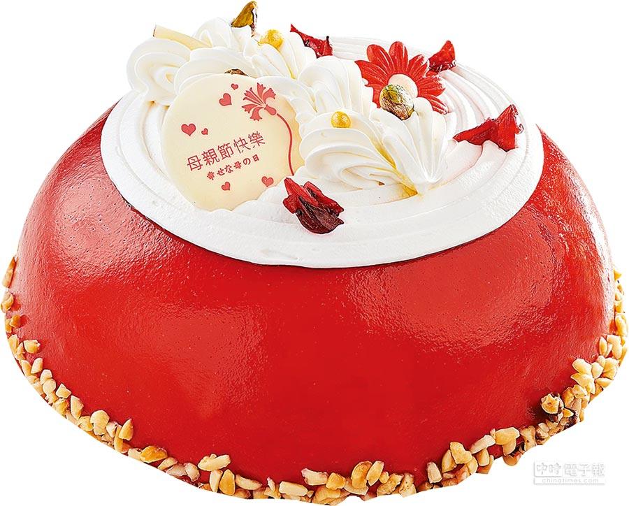 家樂福「蘿詩蕾紅寶石鮮奶油蛋糕」,低甜度鮮奶油、覆盆子淋面,搭配香草戚風蛋糕、洛神花果餡、牛奶布丁內餡,8吋,438元。(家樂福提供)
