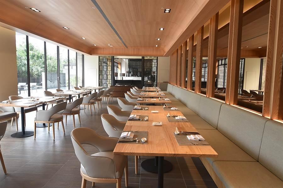 淡水〈蕴泉庄〉度假饭店规画有一间餐厅,菜单提供带有台湾元素的跨菜系无国界料理。(图/姚舜)