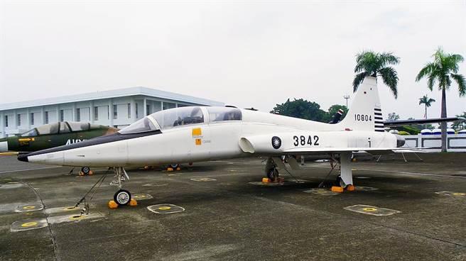 中華民國空軍也曾經向美國租借過T-38做為飛行訓練。(圖/空軍軍史館)