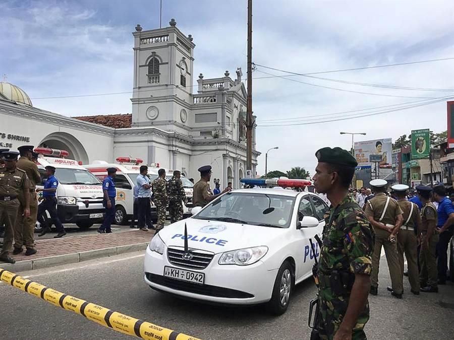 斯里蘭卡首都可倫坡驚傳連環爆,目前至少造成156人死亡、超過400傷。(圖/美聯社)