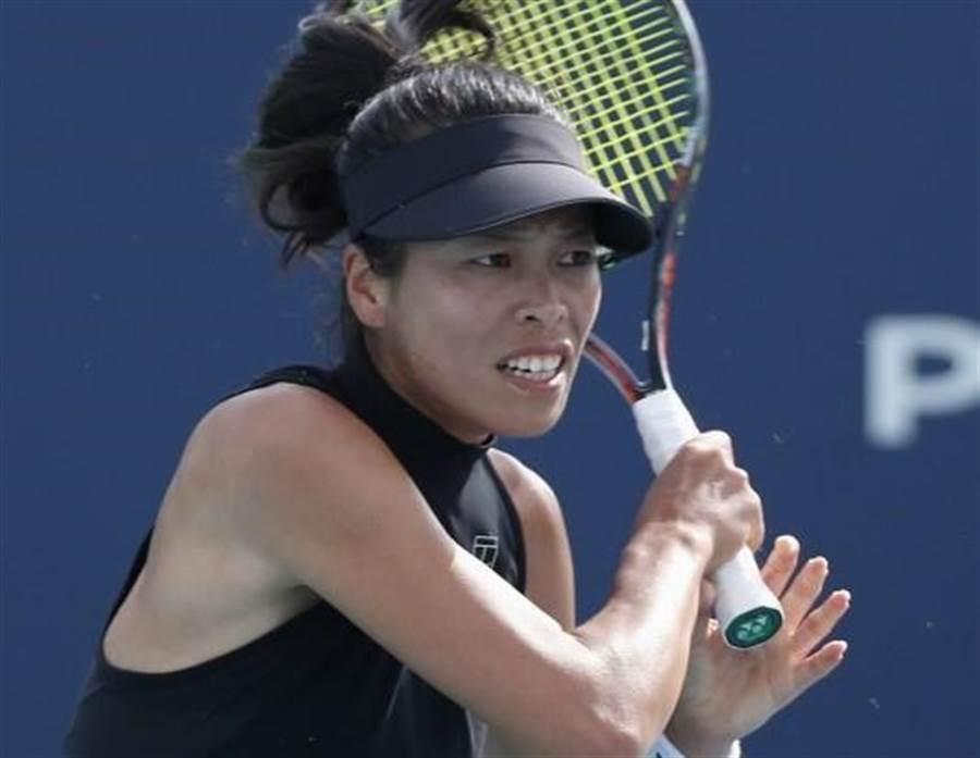 謝淑薇出征德國斯圖加特保時捷女網賽,第一輪要對大陸好手王薔,如果順利過關,第二輪就要再度對決現任世界球后大坂直美。(資料照/美聯社)