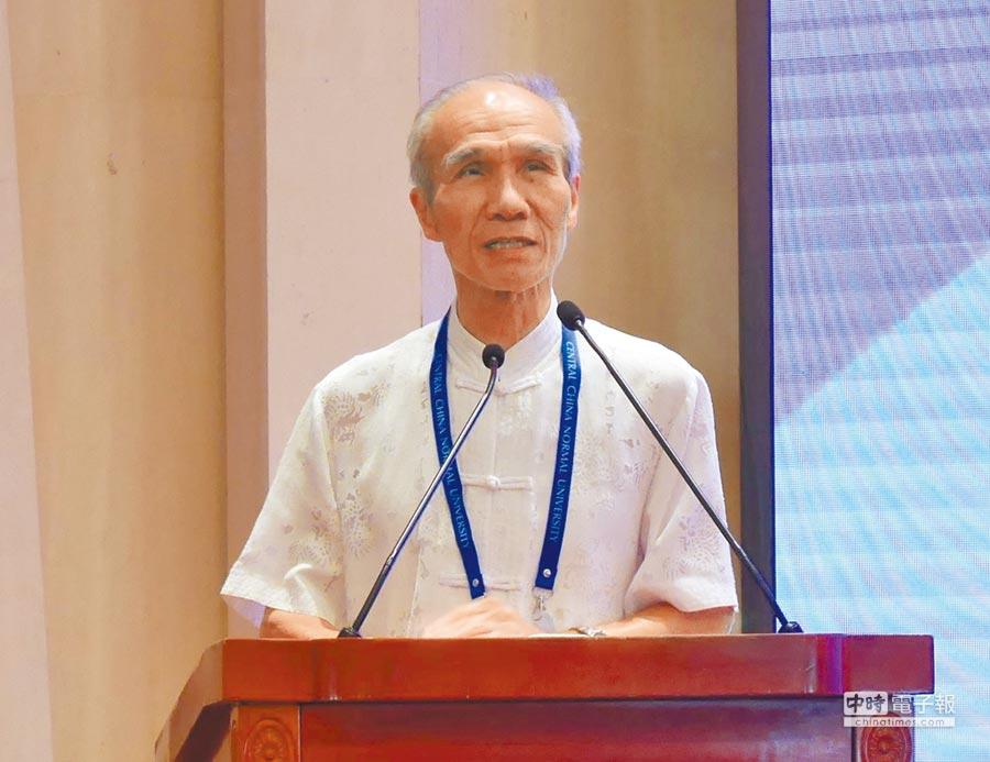 銘傳大學兩岸研究中心主任楊開煌20日表示,兩岸統一對台灣未必是緊箍咒,反而可以是種擴大與超越。(記者陳君碩攝)