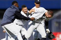 MLB》外野手全躺 洋基捕手擺平皇家