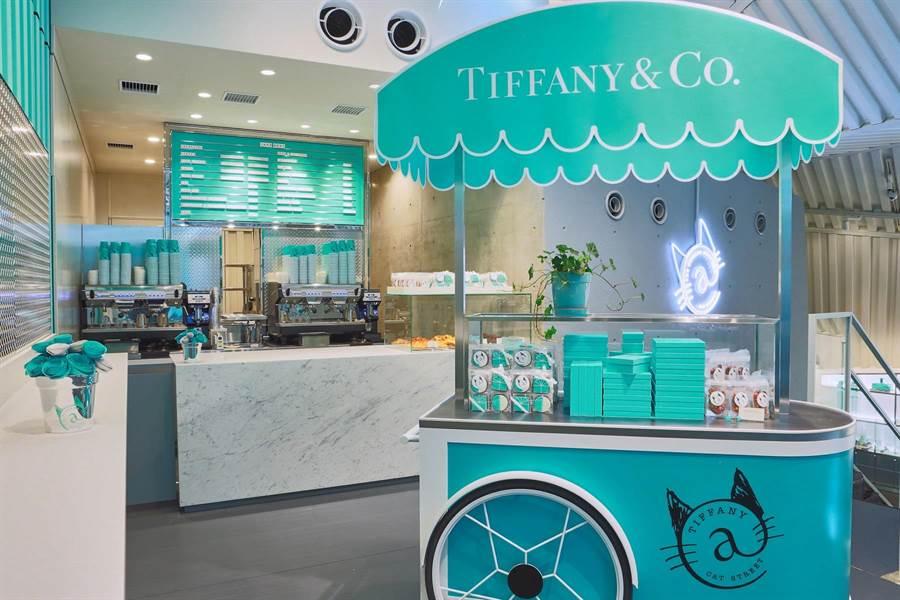 Tiffany餐車成為拍照絕佳拍照地。(圖/Tiffany & Co.)