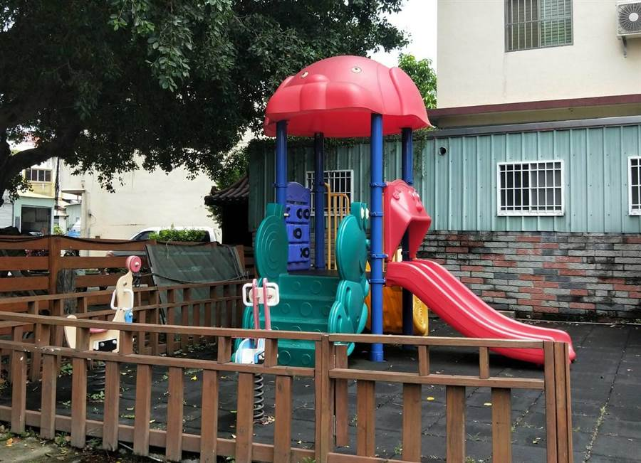 「淺嚐」時尚料理廚房還有兒童遊戲區。(陳淑娥攝)