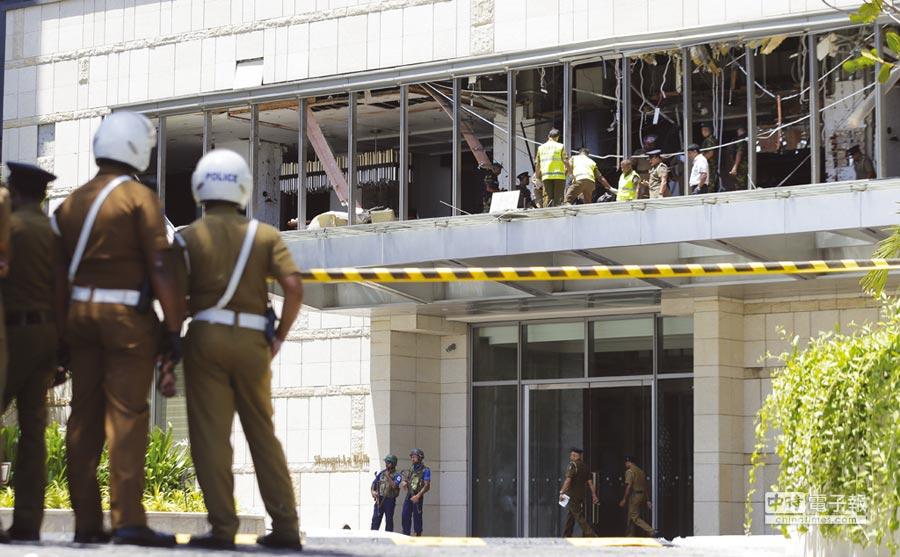 斯里蘭卡在21日復活節星期日,至少8起連環爆炸,鎖定教堂與飯店。圖/美聯社、路透