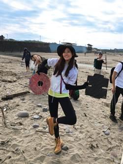 吳汶芳世界地球日前夕揪團淨灘 一口氣打包50袋垃圾