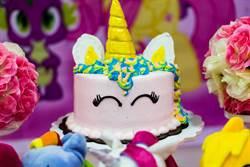 媽自製獨角獸蛋糕 成果讓眾人想歪