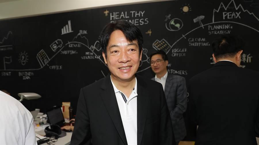 前行政院長賴清德23日到內湖的創新實驗室Taipei Co-Space與青創業者交流。(季志翔攝)