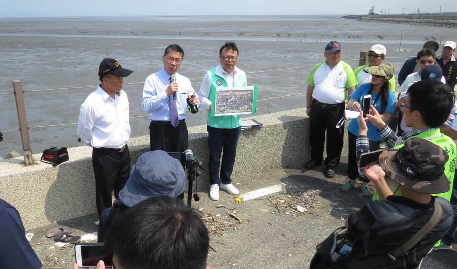 徐國勇希望贊成與反對濕地畫設的雙方能夠溝通創造雙贏。(鐘武達攝)
