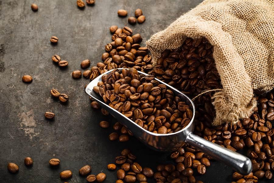 咖啡渣除了生活面可以靈活運用,連美容都可以。(圖/達志影像)