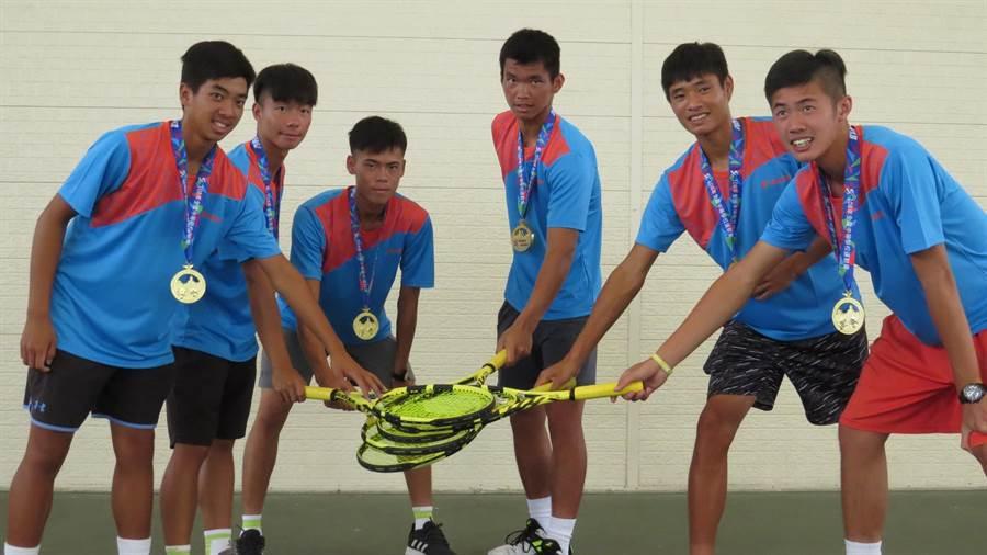 大慶商工網球隊在108年全中運中再度稱霸。(鐘武達攝)