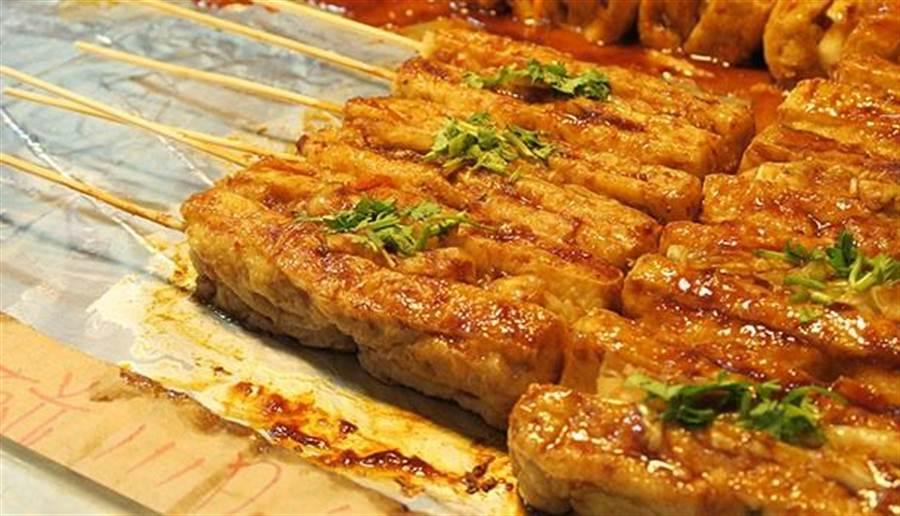 臭豆腐並非愈臭愈好,臭味過度的臭豆腐,營養價值反而更低。圖片來源:pixabay