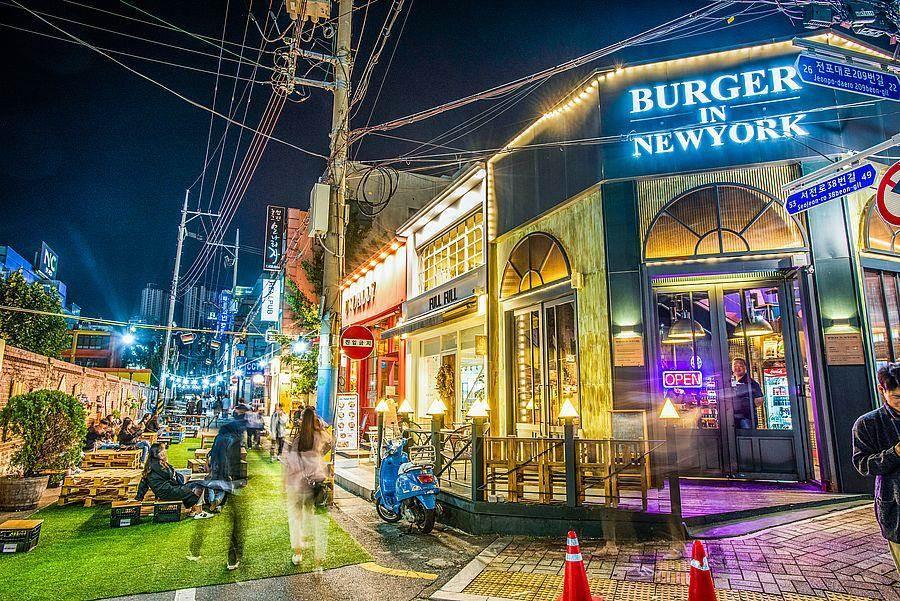 釜山田浦咖啡街店。(韓國觀光公社提供)