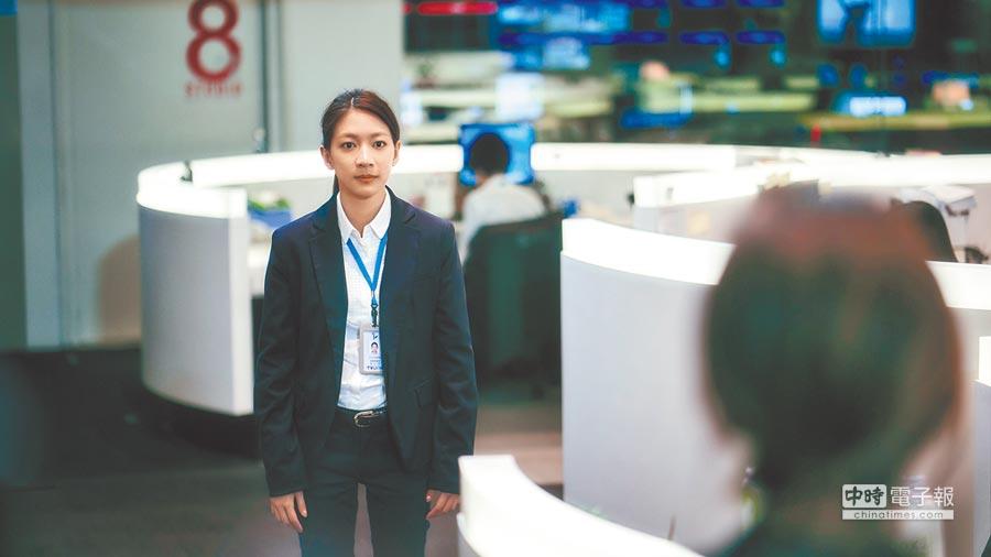 陳妤飾演的李大芝再見到宋喬安時,已成長許多,也把身上標籤撕掉了。