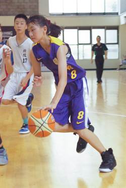 全國少年籃賽 長腿妹挑戰男生賽事超吸睛