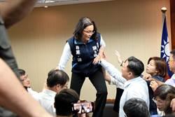 立委陳玉珍控女綠委吼:金門豬滾回中國