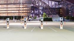 拓連推智能電動車充電網營運系統
