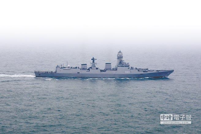 印度「加爾各答」號驅逐艦。(新華社)