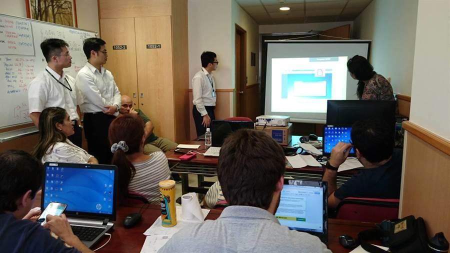 國泰醫院協助巴拉圭醫院建置資訊系統,提升病人看診效能。(國泰醫院)