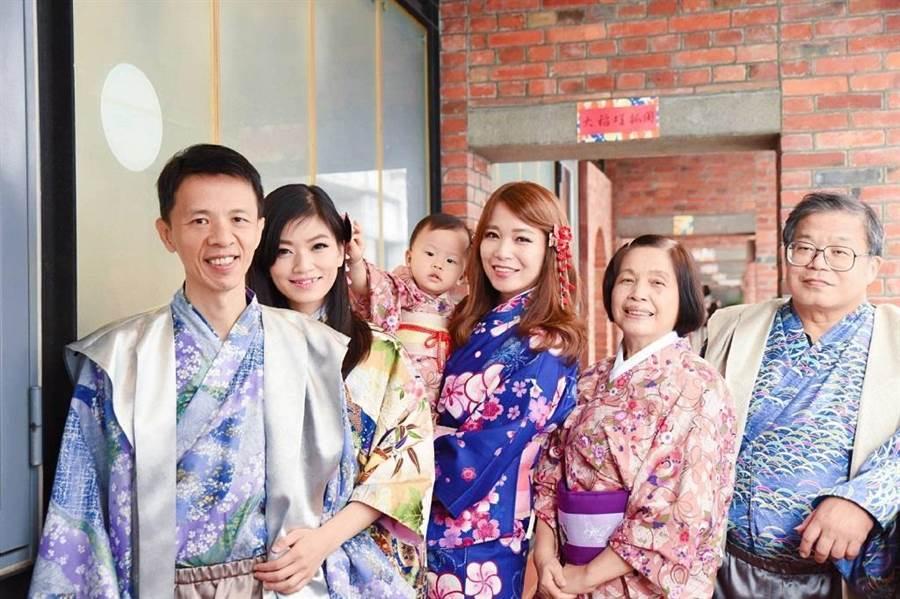 家人原不支持楊惠如(中)加入房仲業,現在為她感到驕傲。(圖/永慶房屋 提供)