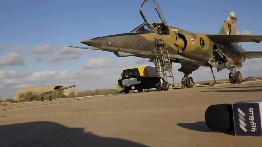 利比亞GNA部隊的幻象F1遭到擊落。(圖/AeroHisto)