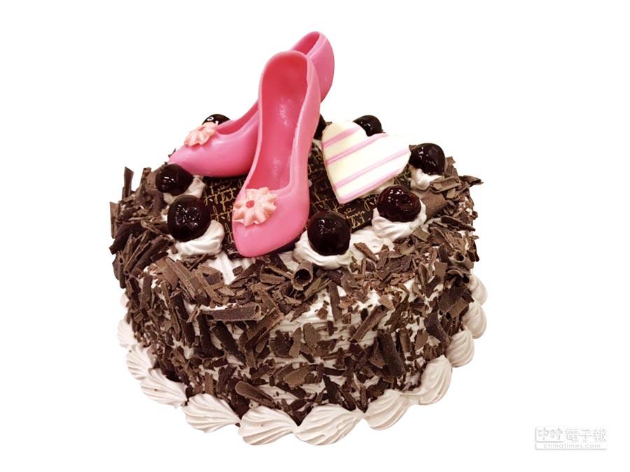 順成蛋糕特別祭出母親節主打款「粉紅高跟鞋」,即日起至5月3日止,歡迎民眾至門市選購。圖/業者提供
