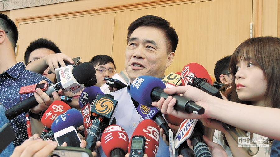 國民黨副主席郝龍斌24日駁斥密室協商說。(記者潘維庭攝)